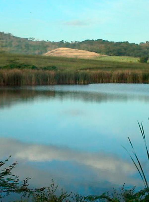 Reservoirs: Embalse Batalla de Santa Clara, Cienfuegos. Cuba