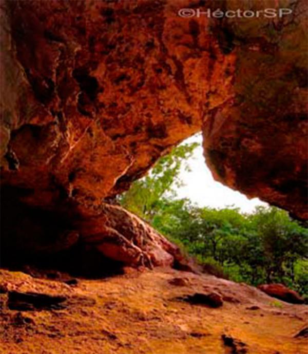 Cueva La Virgen
