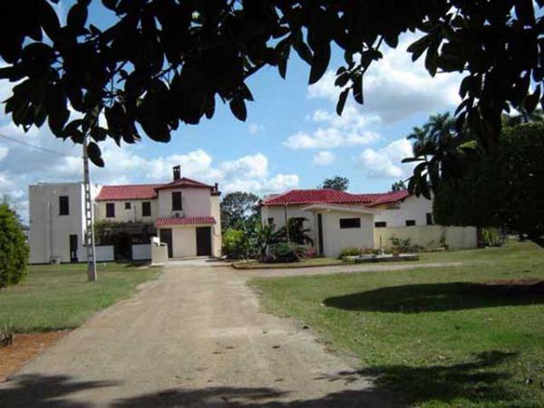 Instituto de Investigaciones Fundamentales de Agricultura Tropican