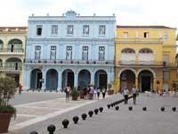 Walking tour along Havana