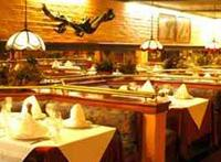 Restaurants: Comodoro Grill
