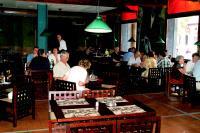Restaurants: A Prado y Neptuno