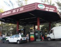Gas Station: 31 y 18
