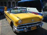 Old American Car Sightseeing and City Tour: Pontiac Starchief 1957  Cabriolet, Havana City