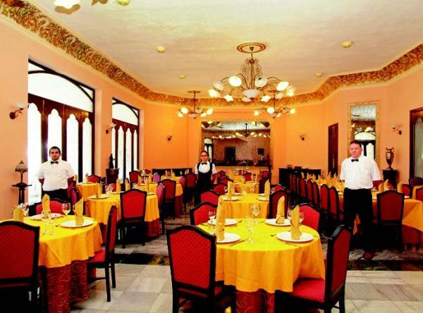 Restaurants: International Restaurant Casa Granda