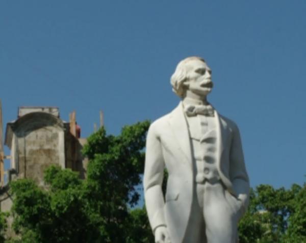 Plazas: Plaza de Armas