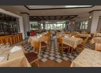 Memories Miramar Hotel - Facade